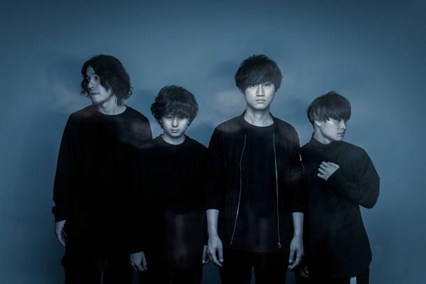 L→R 宮崎 良太(Ba)、くまおかりお(Dr)、アサノ チャンジ(Vo&Gu)、岡村 耕介(Gu)