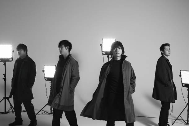 L→R 阪井一生(Gu)、尼川元気(Ba)、山村隆太(Vo)、小倉誠司(Dr)