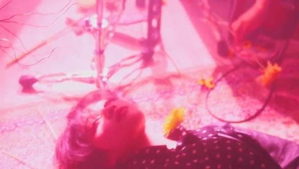 「春眠」MV