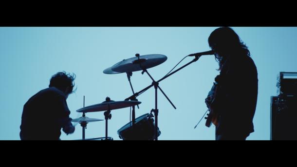 「びりびりしびれる」MV