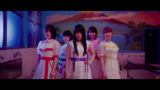「未来はオンナのためにある」MV
