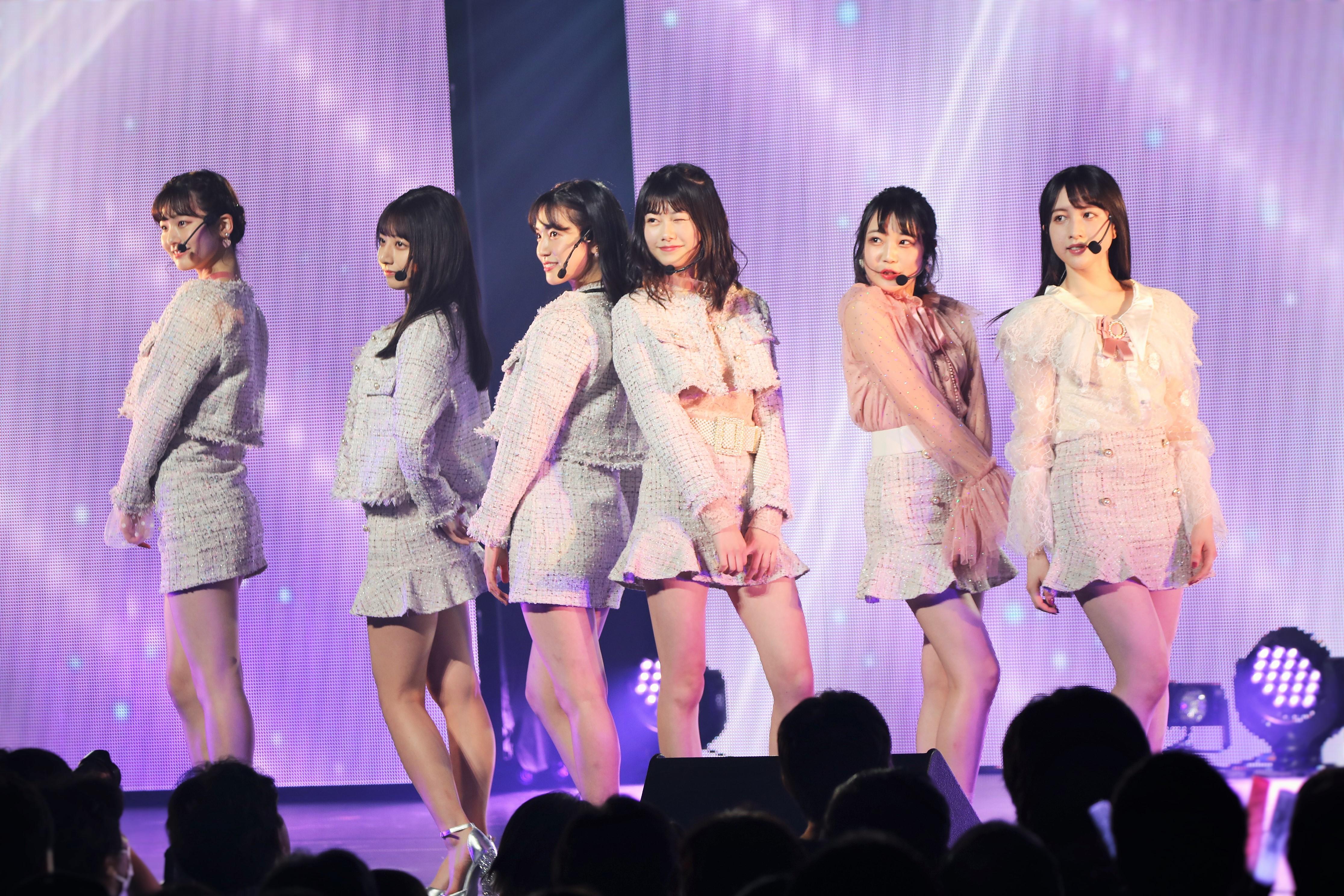 AKB48単独コンサートでのTinTlip 浅井七海、鈴木優香、下尾みう、千葉恵里、佐藤美波、永野芹佳(2020年1月)
