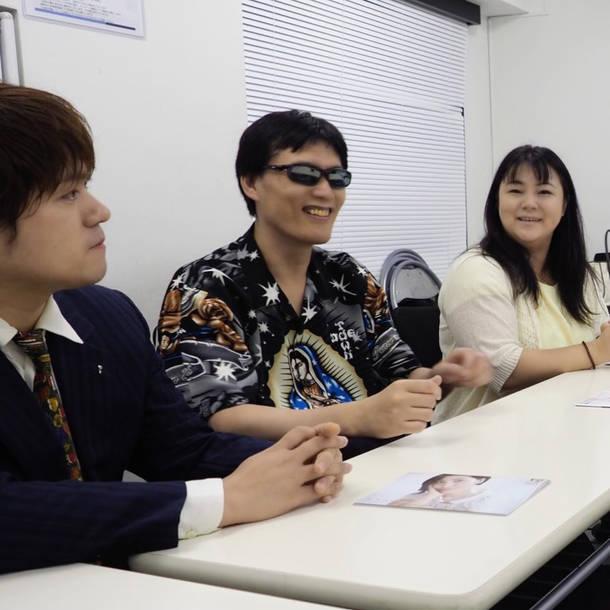 L→R MAZAKI(Vo)、GOD(Pro)、SIZUKU(Vo) photo by MANA