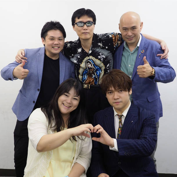 L→R 写真左上より時計回りに、八重樫恵介、GOD(Pro)、平井正昭、MAZAKI(Vo)、SIZUKU(Vo) photo by MANA