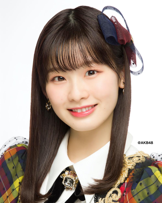 浅井七海 (C) AKB48