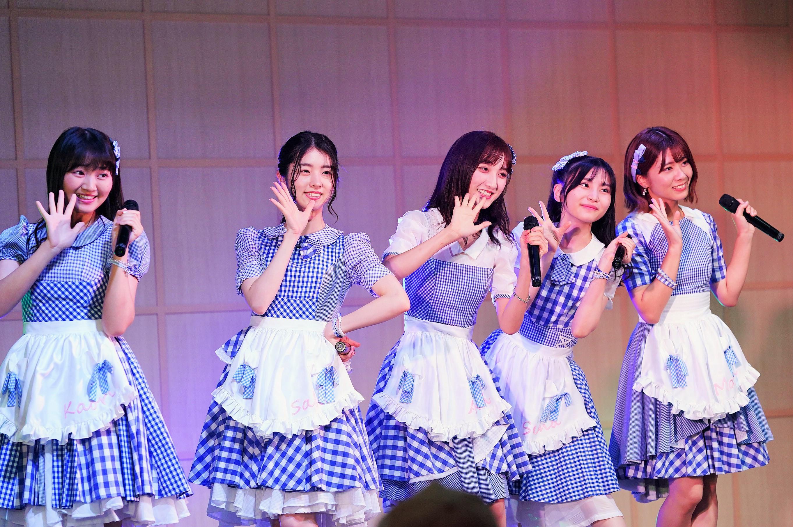 稲垣⾹織・岩⽴沙穂・⻑友彩海・福岡聖菜・清⽔⿇璃亜 (C) AKB48