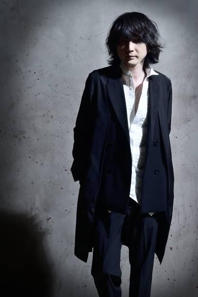 YOSHITSUGU(Guitar)
