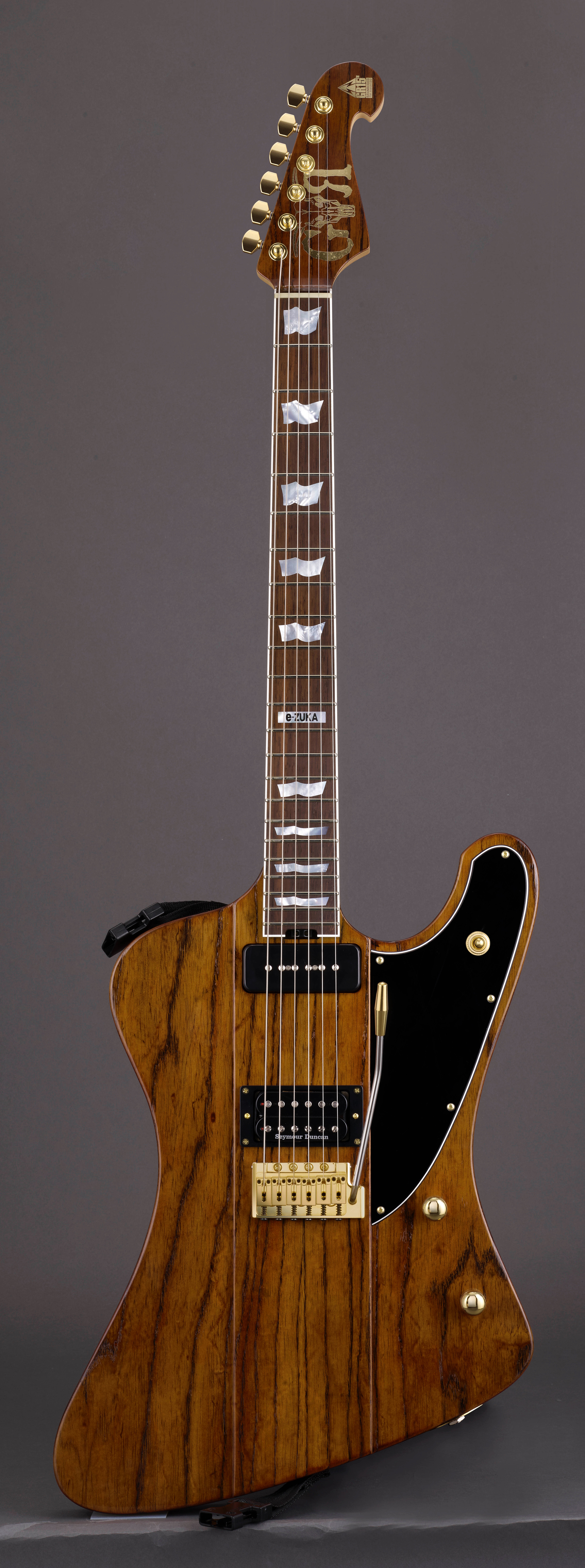 GRANRODEO 15周年記念ギター 「RODEO Phoenix」