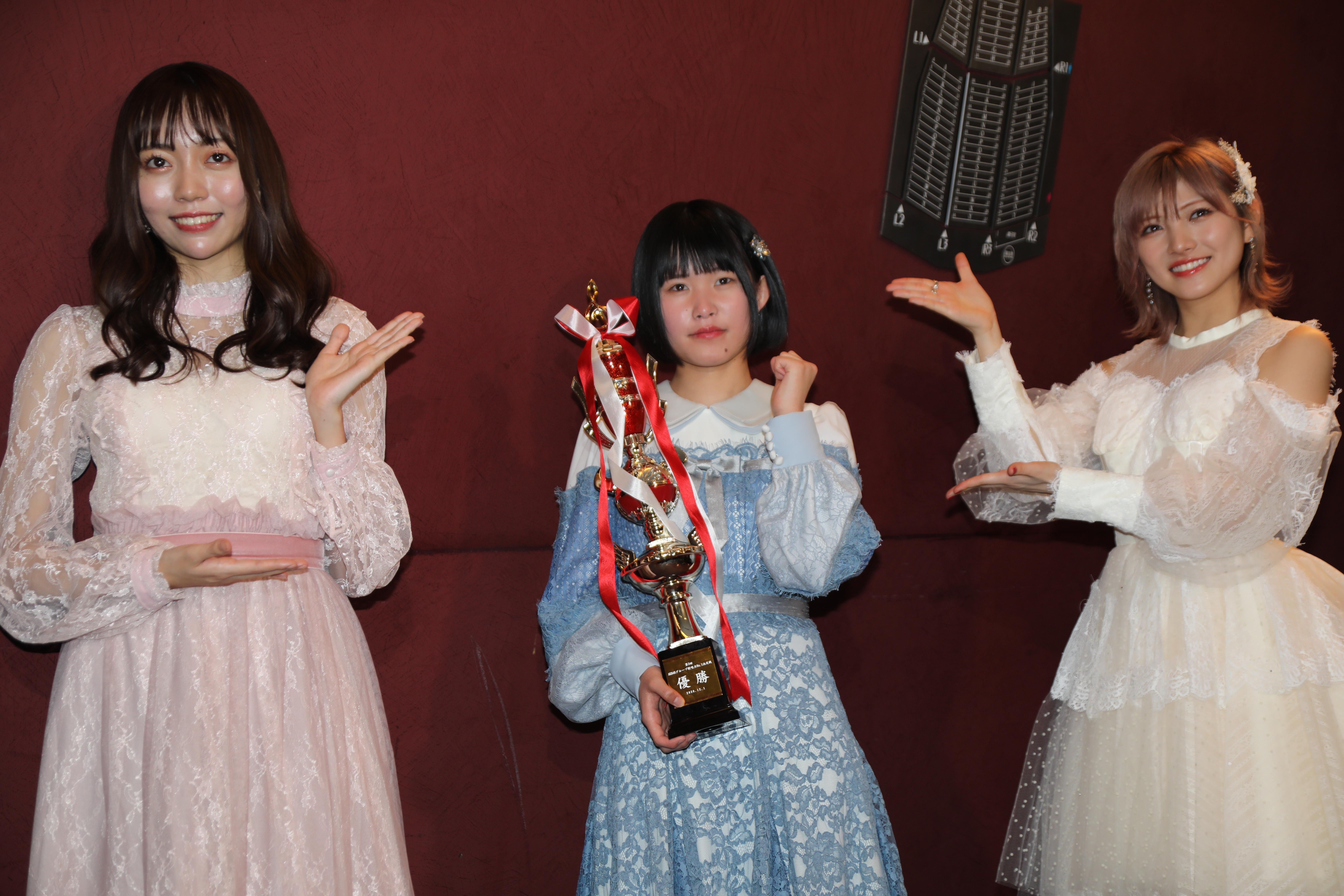 囲み取材での野島樺乃(SKE48)池田裕楽(STU48)岡田奈々(AKB48/STU48)