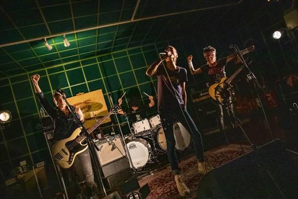『MUD SHAKES 全曲配信ライブ』 2020年12月11日(金) at オンライン(撮影:柴田恵理)