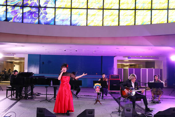12月27日@『angelaのミュージック・ワンダー★生特番 ~パシフィコで会いたくて~』と