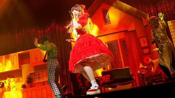 『きゃりーぱみゅぱみゅ PREMIUM LIVE「GREAT INVITATION」』「ガムガムガール」
