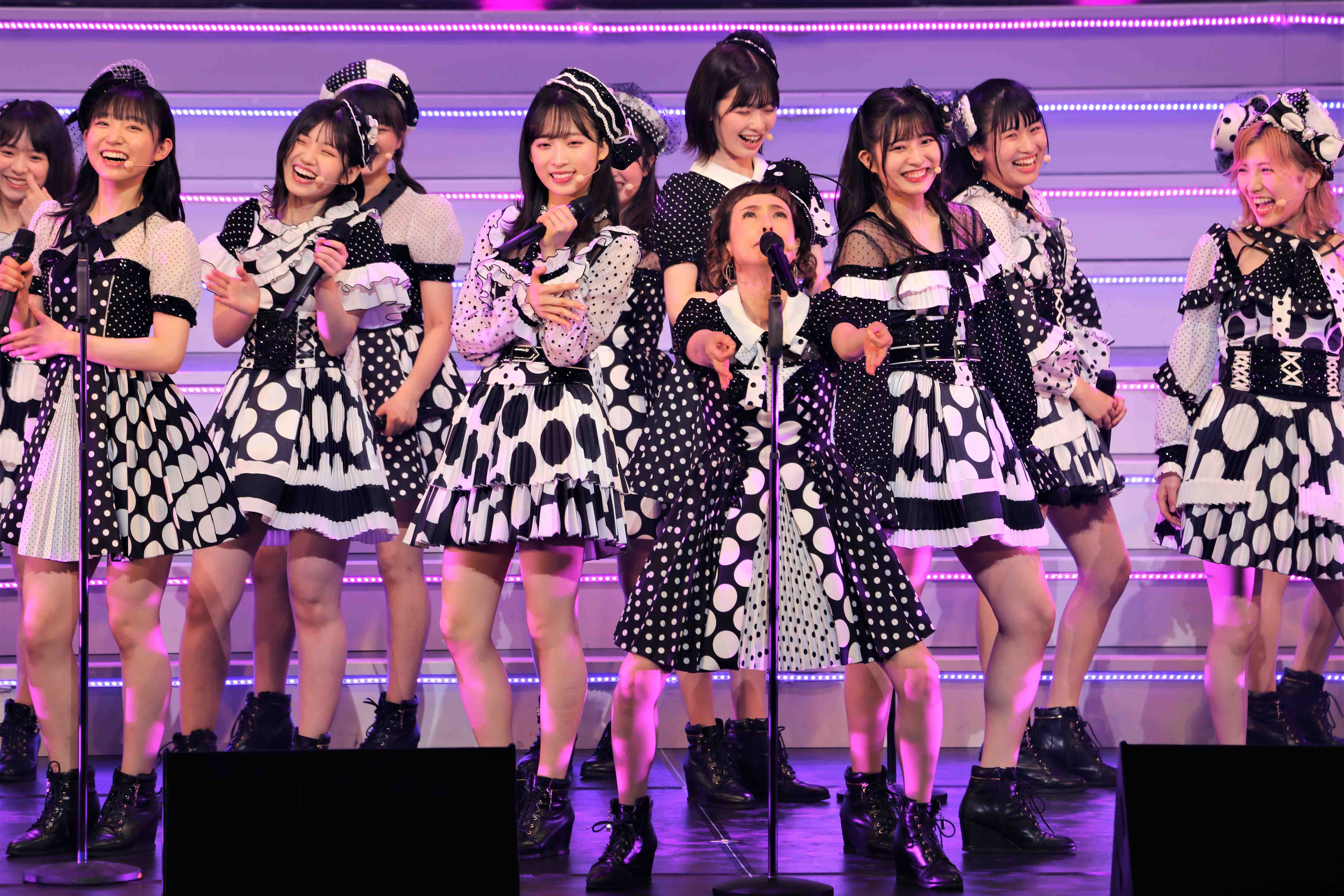 「よろちくびー!」 ©AKB48 THE AUDISHOW製作委員会  無断アップロード及び転送は一切禁止です。