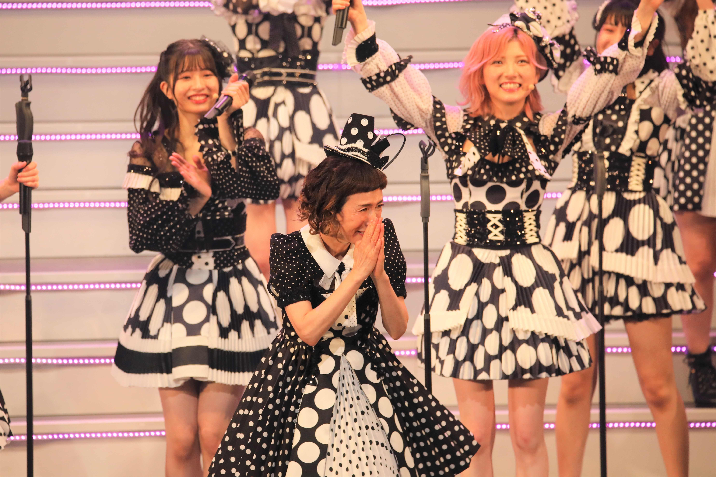 歌い終えて感極まる久本雅美 ©AKB48 THE AUDISHOW製作委員会  無断アップロード及び転送は一切禁止です。