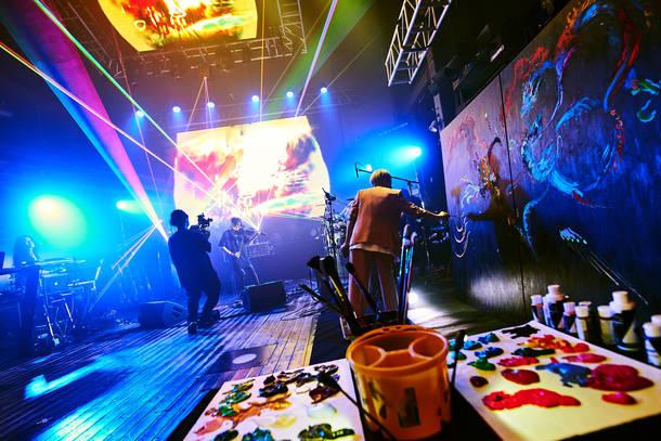 『SUGIZO vs INORAN PRESENTS BEST BOUT 2021~L2/5~』(SUGIZO×OGINO) Photo by Keiko TANABE