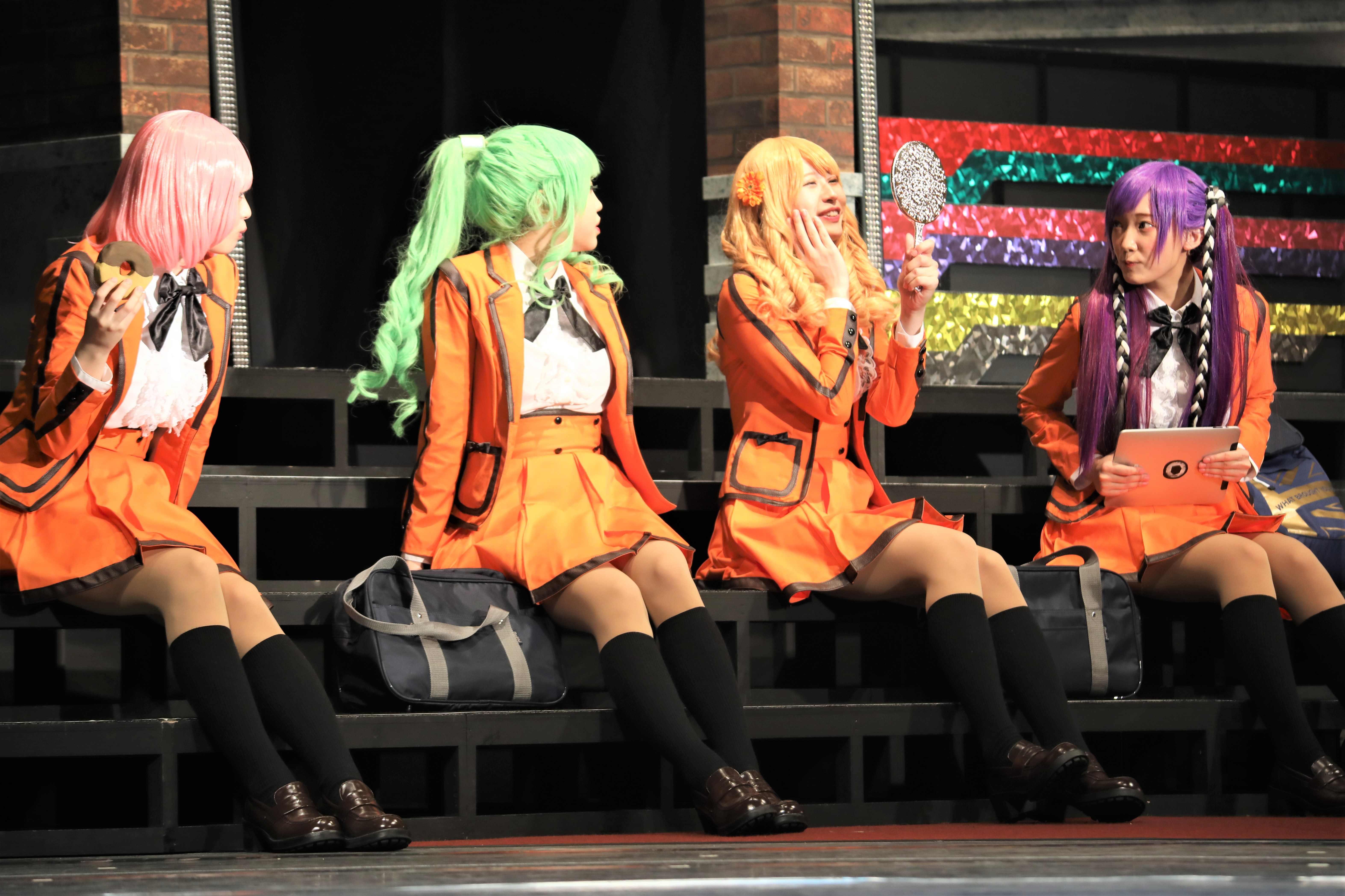 ラブリーハニー(右から2人目)©永井豪/ダイナミック企画・舞台「Cutie Honey Climax」製作委員会 無断アップロード及び転送は一切禁止です。