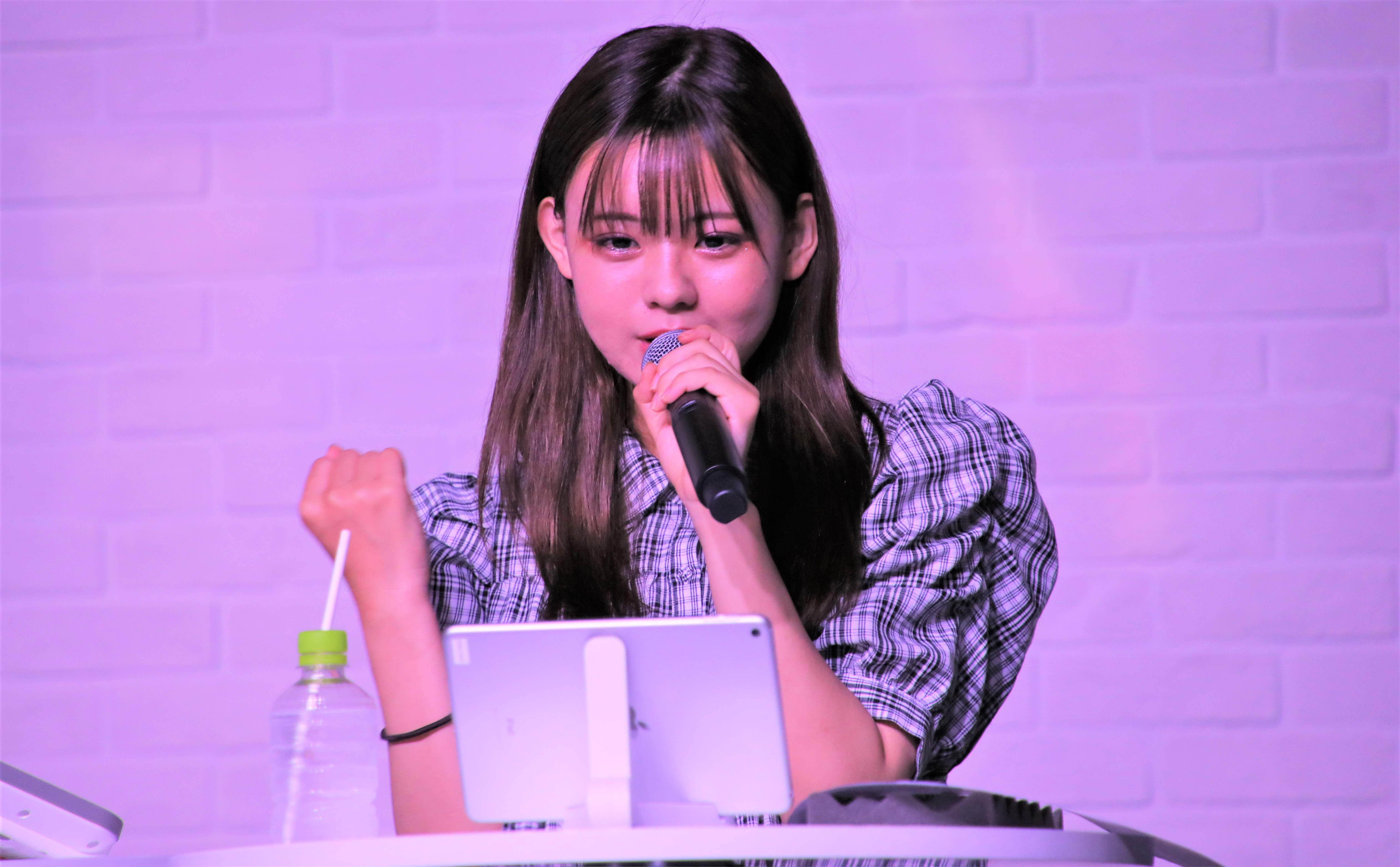 AKB48宮里莉羅