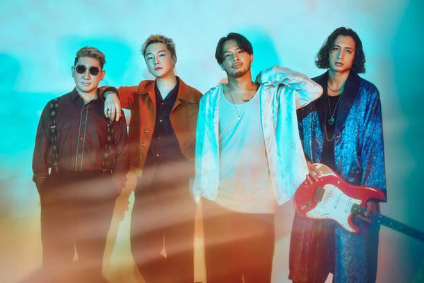 L→R PETE(Key&Trumpet&Cho)、KAZUMA(Dr)、KENNY(Vo&Gu)、AKUN(Gu)