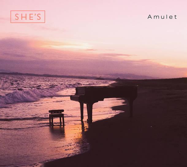 アルバム『Amulet』【初回限定盤】(CD+DVD+フォトブックレット)