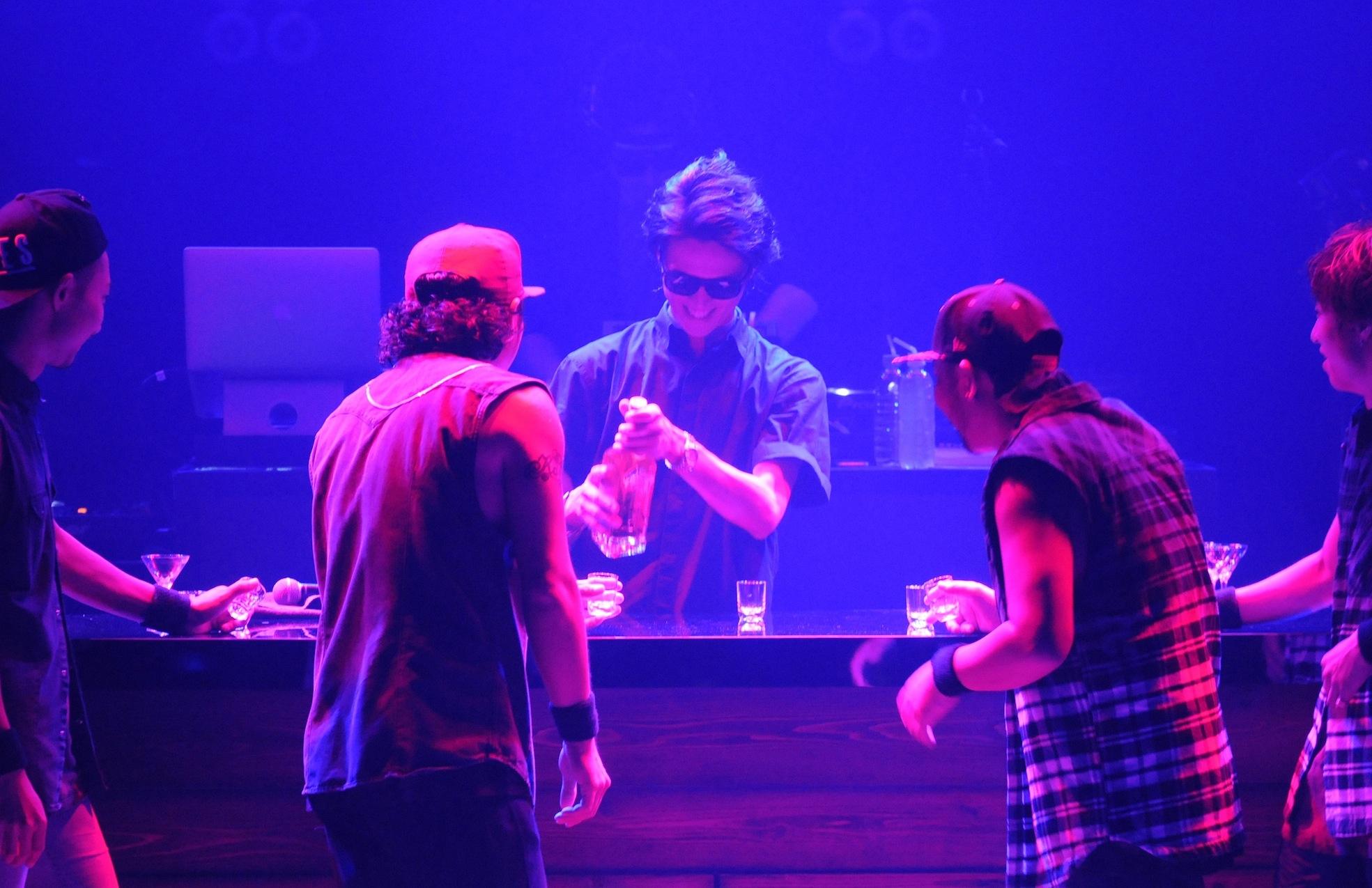 新潟公演時のポンピラの時の様子。 ダンサーも気付いてニヤニヤしてます(笑)。