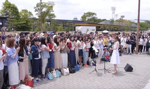 chay 弾丸路上ライブ決行!