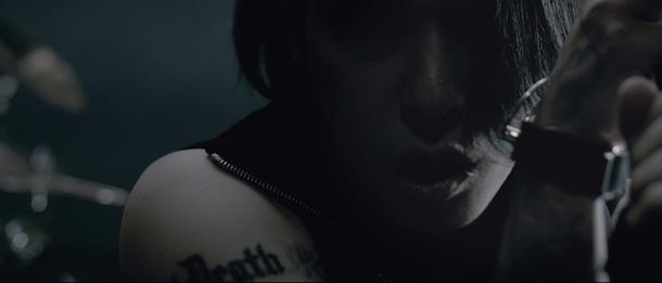 「TRIGGER feat.J」MV キャプチャ
