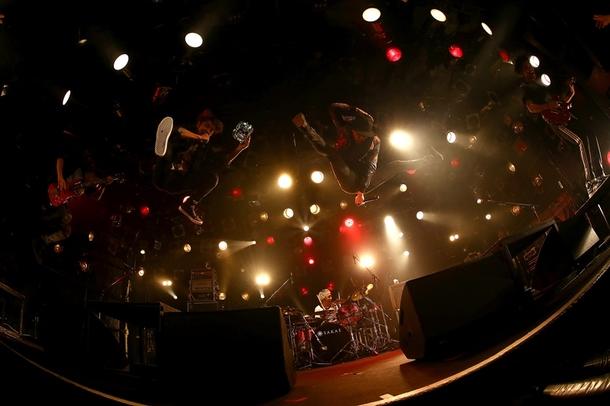 FLOW、ライブ写真