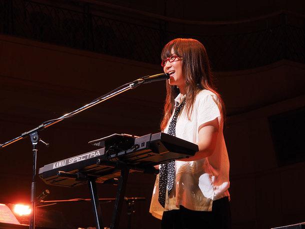 『奥華子 10周年ありがとう!弾き語り全曲ライブ!』@東京よみうりホール