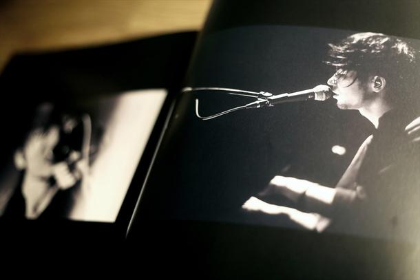 アルバム『white noise』初回生産限定豪華盤イメージ画像
