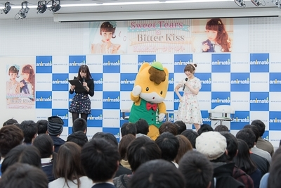 イベントではぐんまちゃんと内田彩が上毛かるた対決