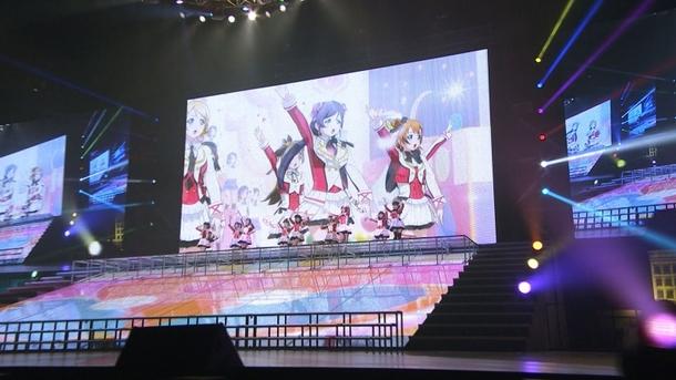 「ラブライブ! μ's Go→Go! LoveLive! 2015~Dream Sensation!~ WOWOW特別編集版」 (C)2013 プロジェクトラブライブ!