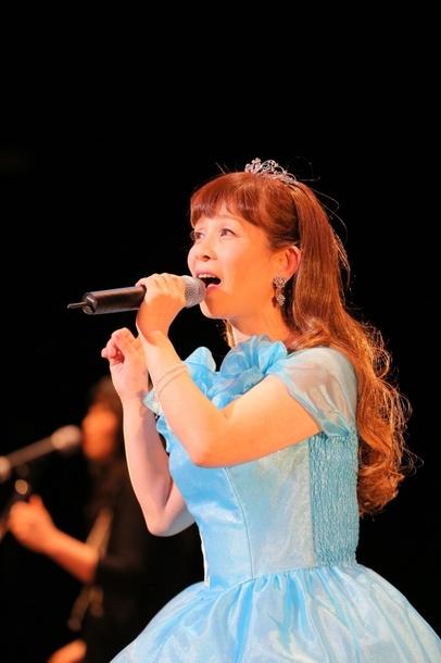 (画像2枚目)35周年記念コンサートを開催した山野さと子 カメラマン:上田健次
