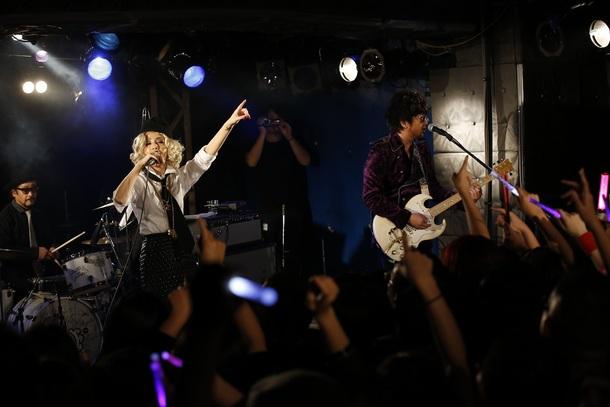11月11日@東京・新宿LOFT