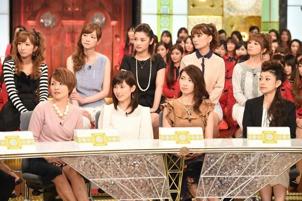 スタジオに登場したモーニング娘。OG。(前列左から中澤裕子、安倍なつみ、飯田圭織、石黒彩。後列左から辻希美、吉澤ひとみ、石川梨華、保田圭、矢口真里) (c)TBS