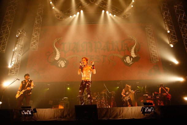 2月19日@「VAMPARK FEST」(Buckcherry)