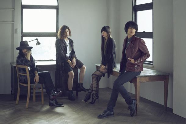 a flood of circle  Duran(新メンバー / Guitar), 渡邊 一丘(Drums), HISAYO(Bass), 佐々木 亮介(Vocal & Guitar)