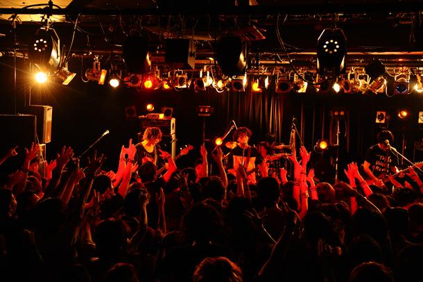9月9日@TSUTAYA-O Crest(ヒトリエ)