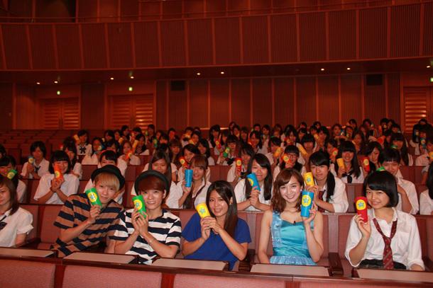 Suzuと芹那、広海深海、100人の女子高生
