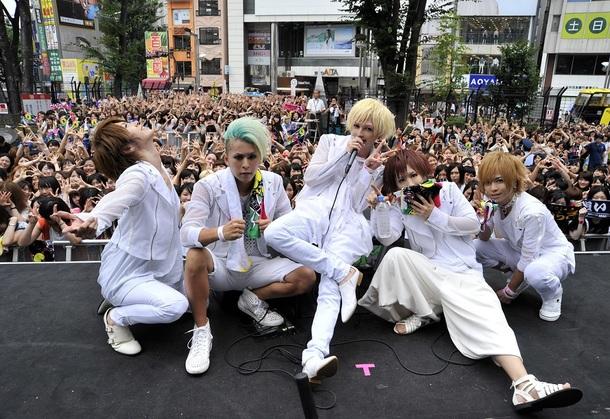 8月9日(土)@新宿ステーションスクエア