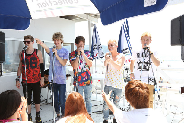 After Romeo、FMヨコハマ「FamilyMart collection PRESENTS CATCH OF SUMMER」の公開生放送に出演。