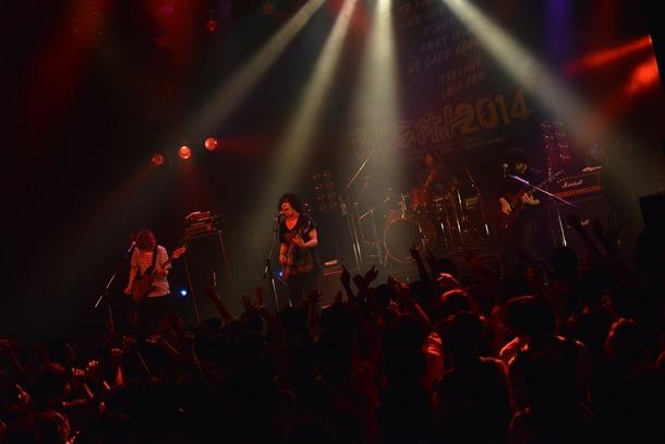 7月20日、大阪BIGCATで行われた「閃光ライオット」3次ライブ審査