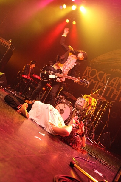 【THE BOHEMIANS】 6月25日@東京・渋谷TSUTAYA O-EAST