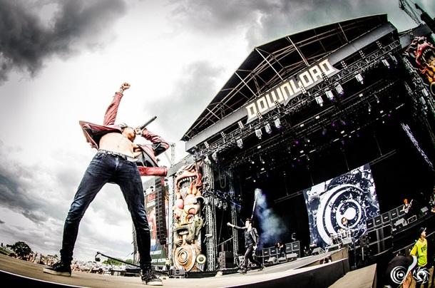 Crossfaithが「DOWNLOAD FESTIVAL 2014」メインステージに出演!