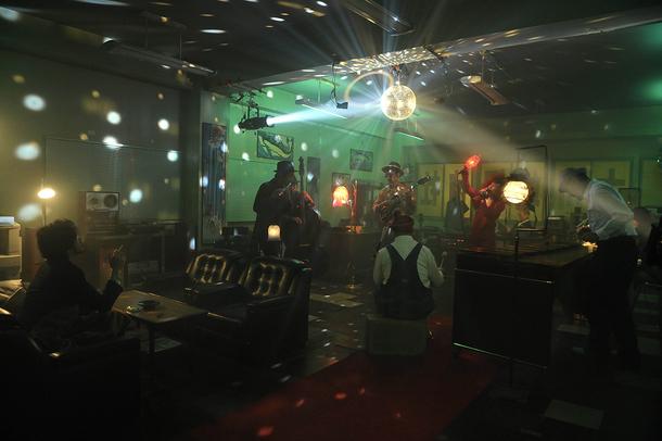 「Neon Sign Stomp」ショートVer. MV