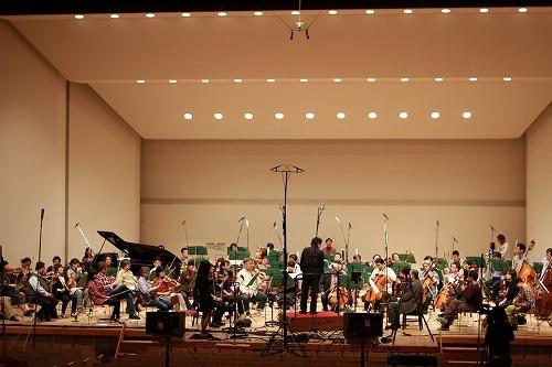 ヴァイオリニスト・宮本笑里と仙台フィルハーモニー管弦楽団 Listen Japan