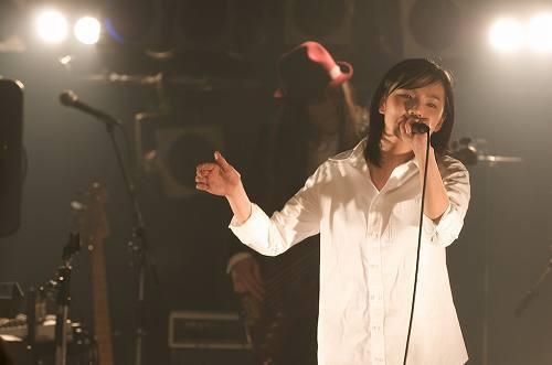 榎本くるみ_09年2月9日東京・渋谷O-NESTでの榎本くるみ ListenJapan