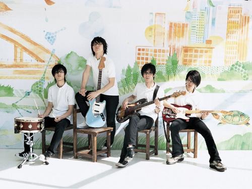 ニュー・シングル「涙色フラストレーション」をリリースするmonobright Listen Japan