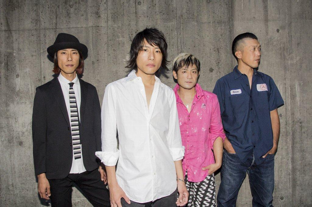 L→R 山下 壮(Gu)、小高芳太朗(Vo)、合田 悟(Ba)、桜井雄一(Dr)