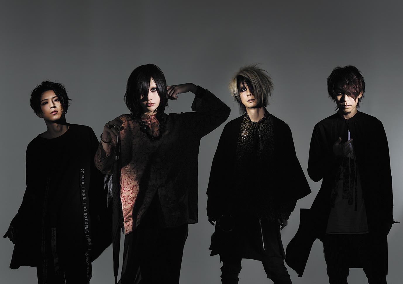 L→R 佐藤ケンケン(Dr)、有村竜太朗(Vo)、長谷川 正(Ba)、ナカヤマアキラ(Gu)