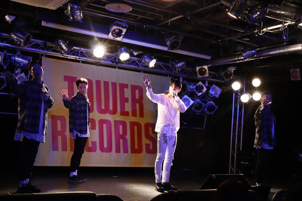 9月5日@タワーレコード渋谷店 photo by Eri Sato
